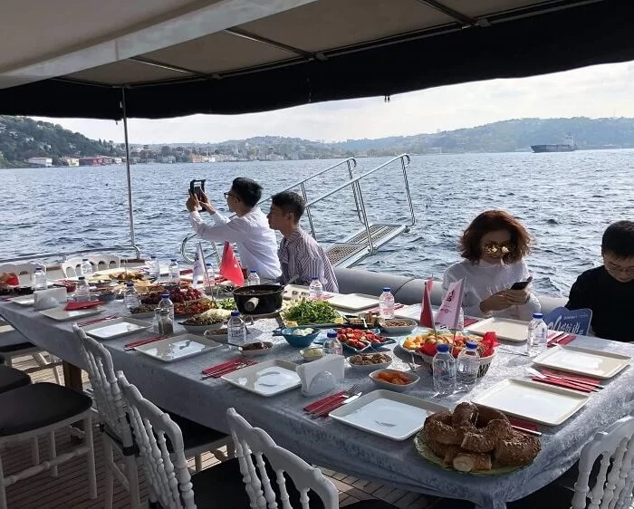 bosphorus cruise with lunch