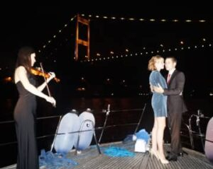 bosphorus cruise with violin