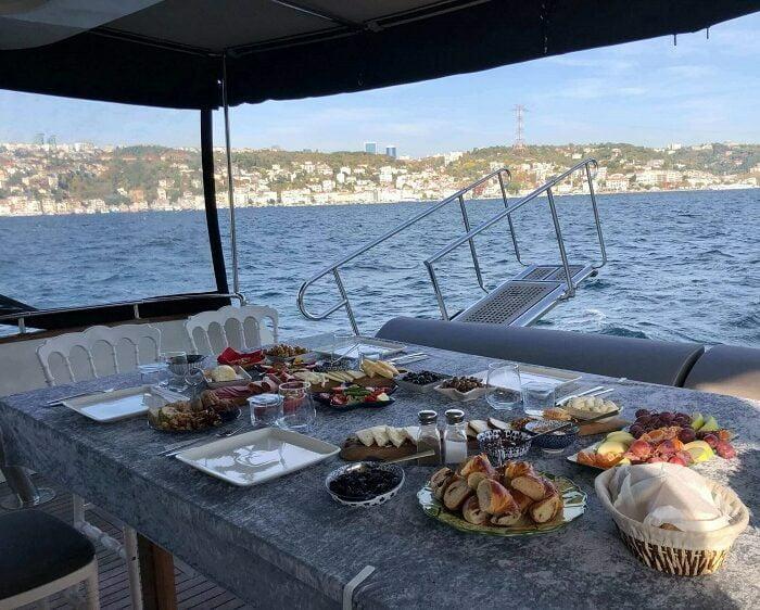 bosphorus-cruises-tours-with-yacht