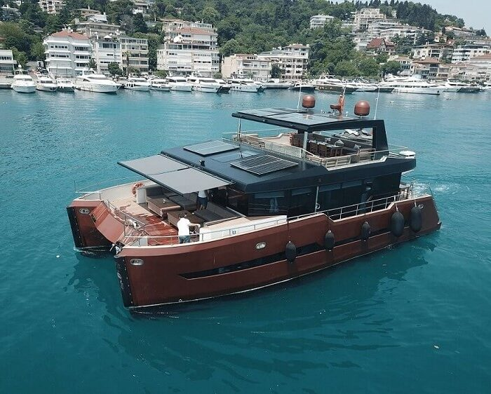 bosphours-cruse-by-yacht