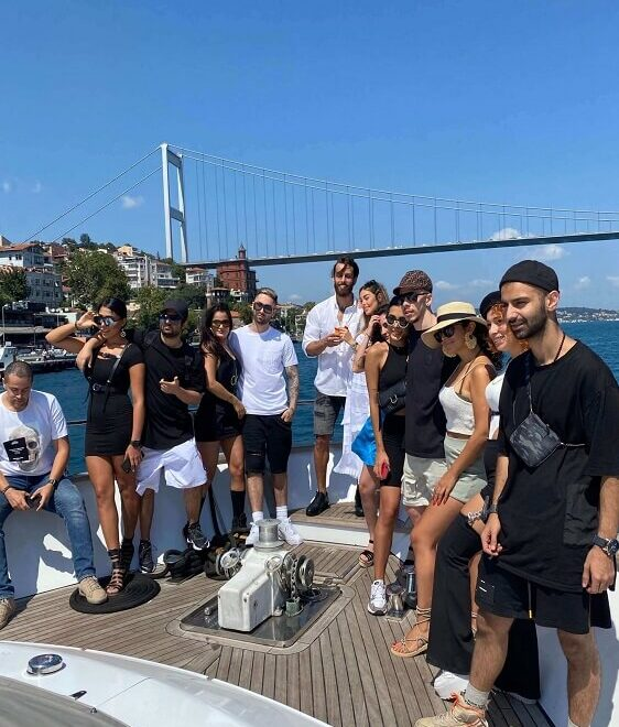 group-boat-istanbul