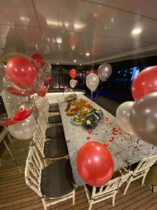 party on yacht in istanbnul