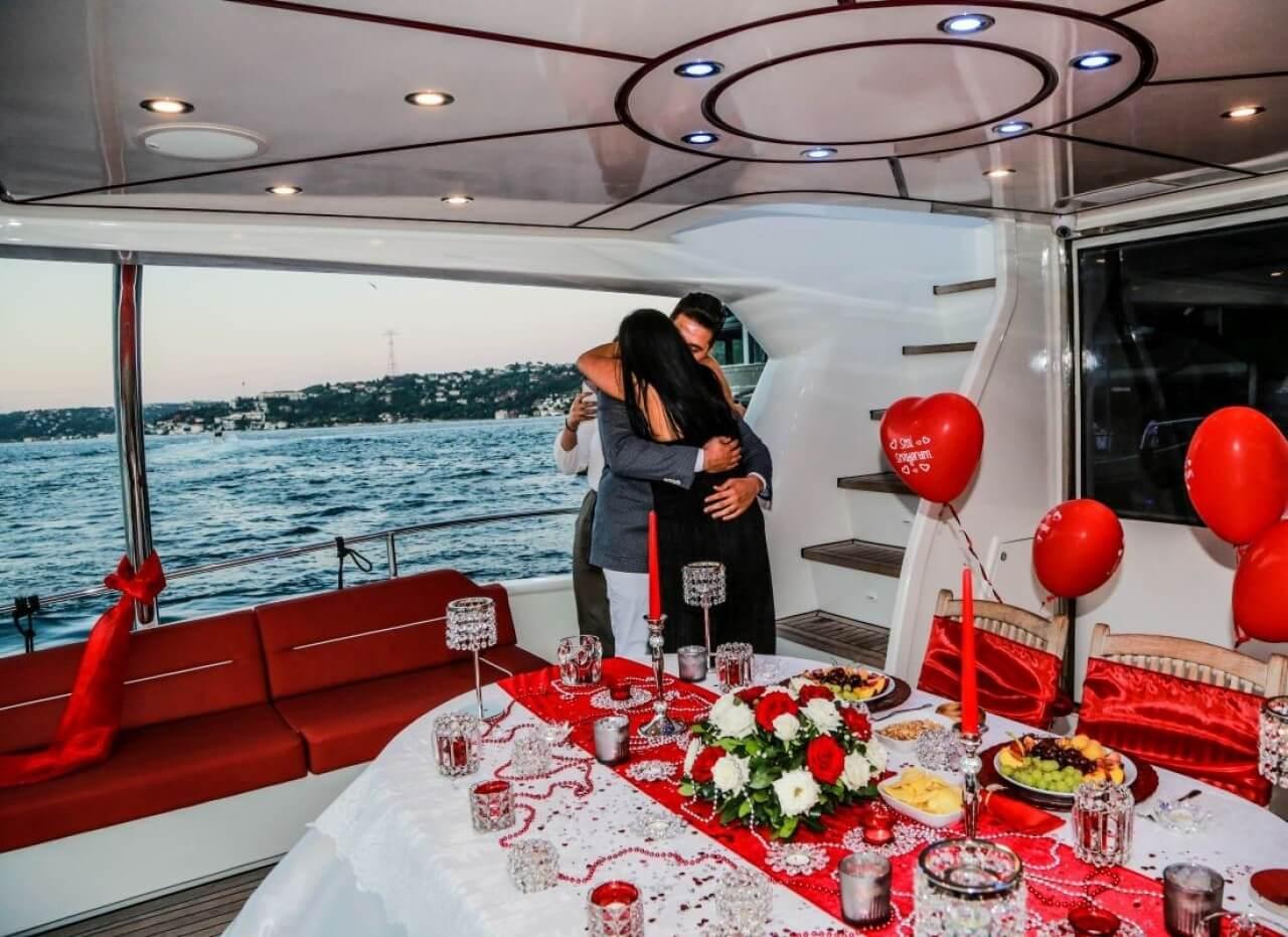 wedding-proposal-on-bosphorus